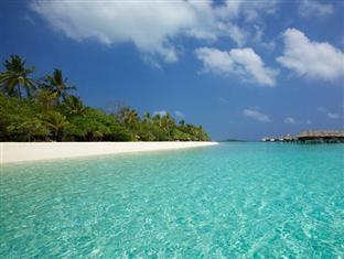 kanuhuraa resort maldives - beach
