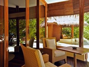 kanuhuraa resort maldives - duplex beachvilla terrace
