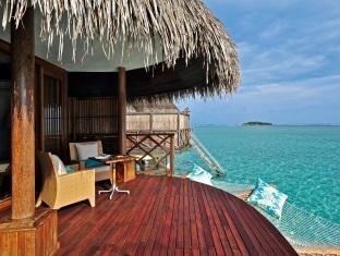 kanuhuraa resort maldives - grand watervilla terrace