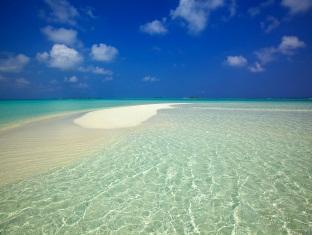 kanuhuraa resort maldives - sandbank