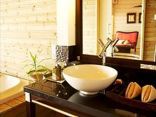 komandoo island resort maldives - bathroom