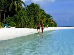 komandoo island resort maldives - beach
