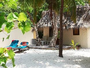 komandoo island resort maldives - beach bungalow exterior