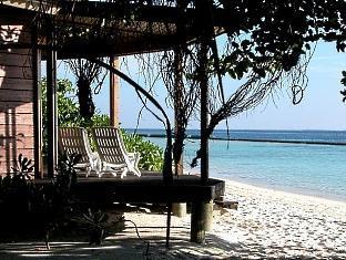 komandoo island resort maldives - beachvilla exterior