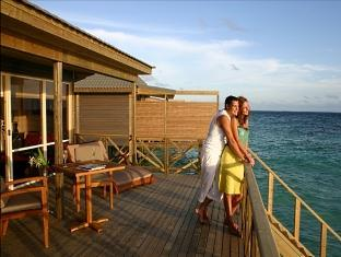 komandoo island resort maldives - jacuzzi watervilla terrace