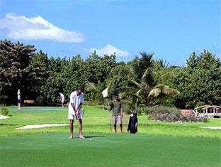 komandoo island resort maldives - the golf club