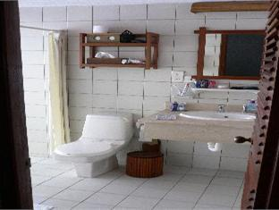 makunudu island resort maldives - bath room