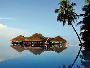 medhufushi island resort maldives - hotel exterior