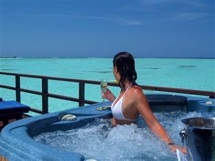 olhuveli beach spa resort maldives - honeymoon water suite jacuzzi