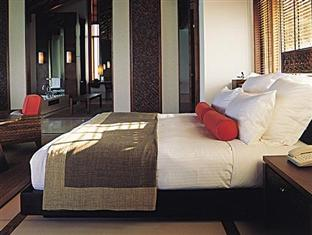 one only reethi rah resort maldives - water villa bedroom
