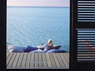 one only reethi rah resort maldives - water villa deck