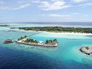 paradise island resort maldives- surroundings
