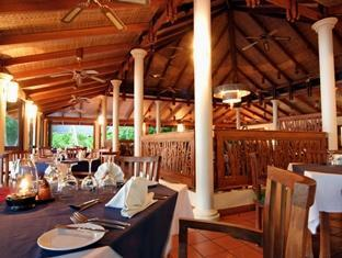 royal island resort maldives - restaurant