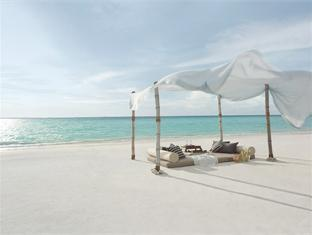 shangrilas villingili resort maldives - beach