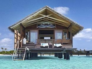 shangrilas villingili resort maldives - water villa from the spa