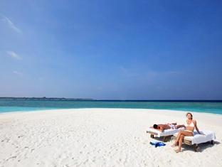soneva fushi resort maldives - beach
