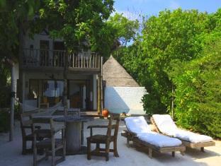 soneva fushi resort maldives - crusoe suite exterior