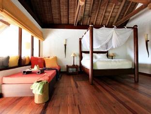 soneva fushi resort maldives - guest room