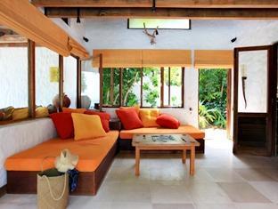 soneva fushi resort maldives - living room