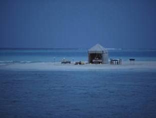 soneva fushi resort maldives - over night at sand bank
