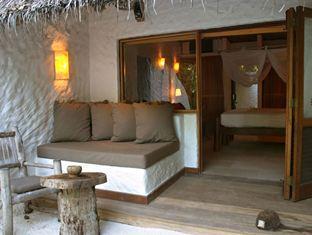 soneva fushi resort maldives - rehendi living room