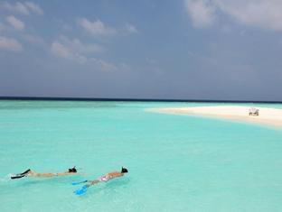 soneva fushi resort maldives - snorkelingat sand bank