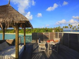 soneva gili resort maldives - villa upper deck