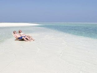 sun island resort maldives - beach