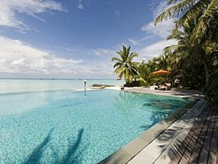 taj exotica resort maldives - swimming pool