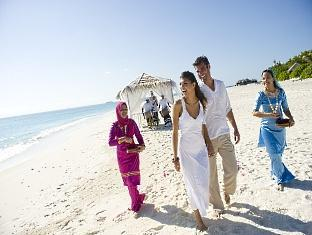 the beach house at manafaru resort maldives - beach wedding
