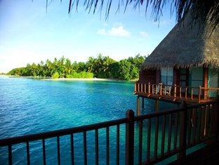 velidhu island resort maldives - water bungalows
