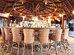 veligandu island resort maldives - the harugebarand coffee shop