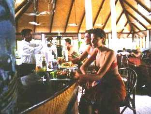 vilamendhoo island resort maldives - bar