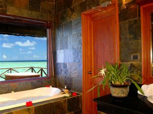 vilu reef beach spa resort maldives - honeymoon water villa bathroom