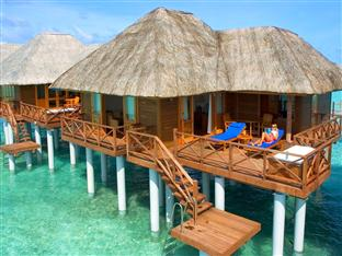 vilu reef beach spa resort maldives - jacuzzi water villa exterior