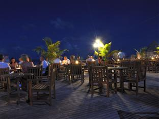 vilu reef beach spa resort maldives - nautilus bar