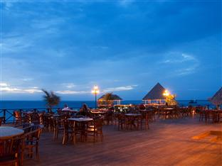 vilu reef beach spa resort maldives - restaurant deck sunset view
