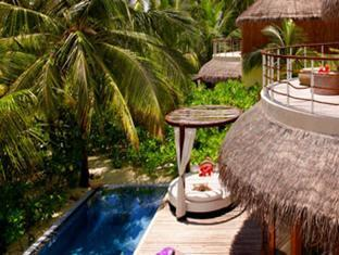 w retreat spa resort maldives - beach oasis exterior