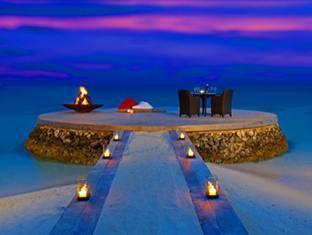 w retreat spa resort maldives - coral terrace private dinner