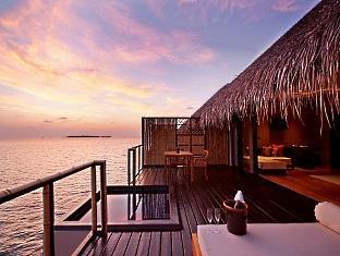 adaaran prestige vadoo resort maldives - balcony terrace