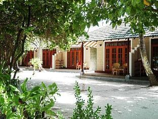adaaran prestige water villas meedhupparu resort maldives - hotel exterior