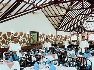 adaaran prestige water villas meedhupparu resort maldives - mani restaurant