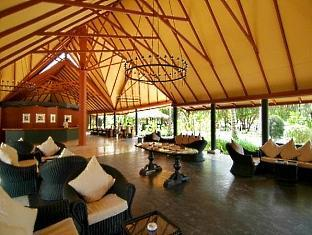 adaaran select hudhuranfushi resort maldives - lobby