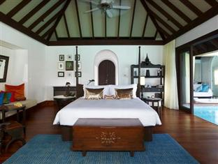 anantara kihavah villas maldives resort - over water pool villa