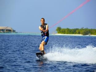 anantara kihavah villas maldives resort - wakeboarding