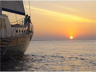 anantara kihavah villas maldives resort - sunset cruise