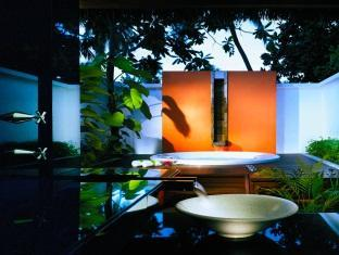 angsana resort spa ihuru maldives - bathroom