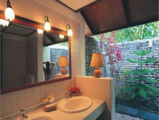 athuruga island resort maldives - bathroom