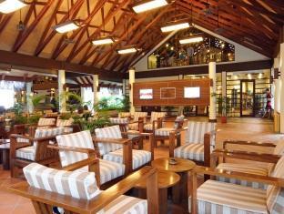 bandos island resort maldives - lobby