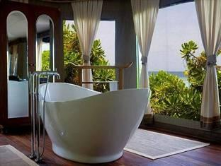 banyan tree madivaru resort maldives - bathroom
